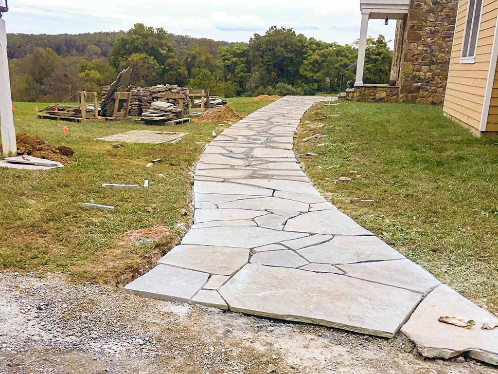 flagstone-walkway-in-concrete
