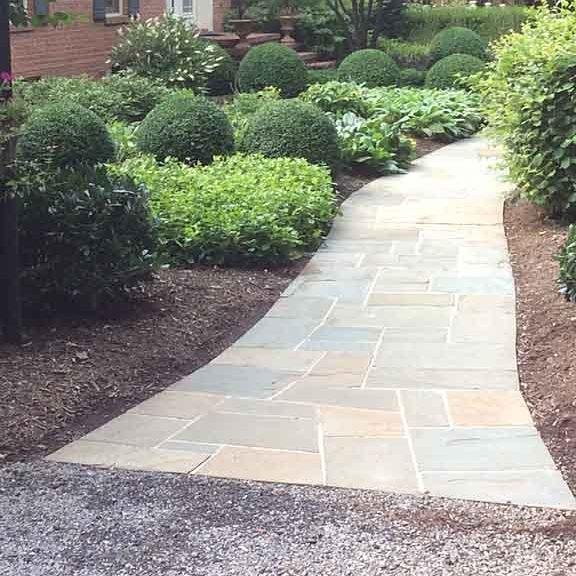 flagstone-walkway-installation